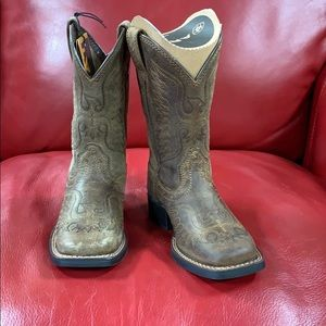 Ariat Honor Boot, Distressed Brown Boot NWT